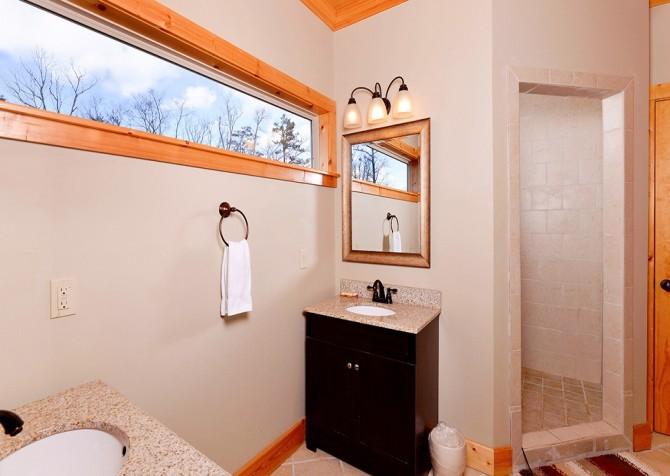 Pigeon Forge - A Splashtastic View - Bathroom