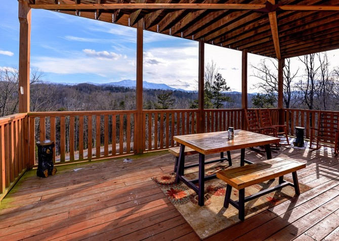 Pigeon Forge - A Splashtastic View - Deck Dining