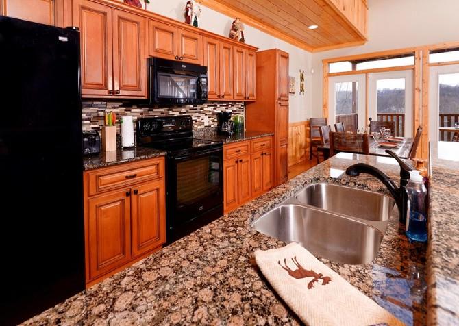 Pigeon Forge - A Splashtastic View - Kitchen