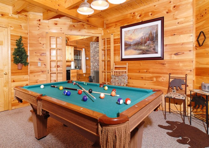Pigeon Forge Stolen Moments Recreation Room