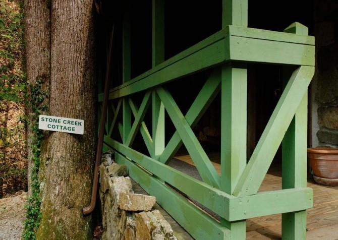 Pigeon Forge Stonecreek Cottage Deck