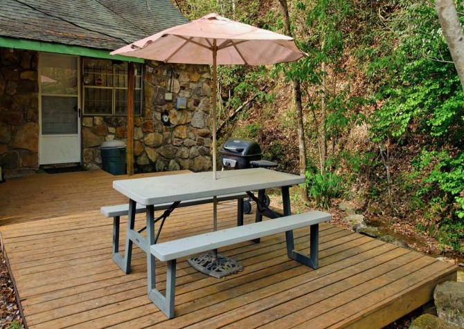 Pigeon Forge Stonecreek Cottage Deck Dining