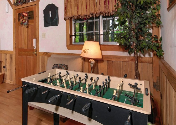 Pigeon Forge Stonecreek Cottage Recreation Room