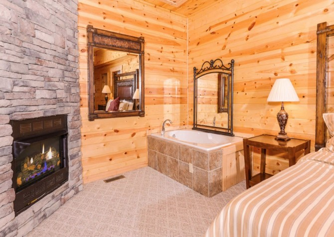 Pigeon Forge - A Suite Escape - Bedroom 3