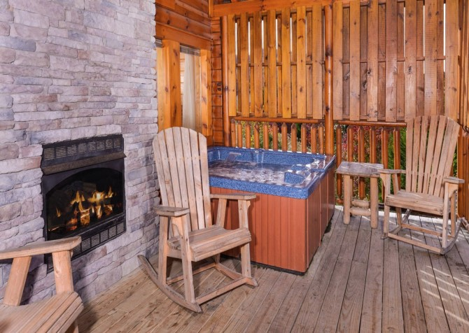 Pigeon Forge - A Suite Escape - Hot Tub