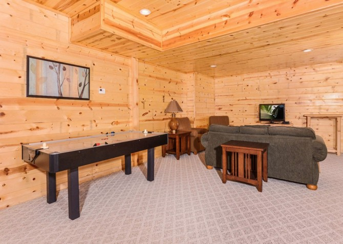 Pigeon Forge - A Suite Escape - Gameroom Lounge