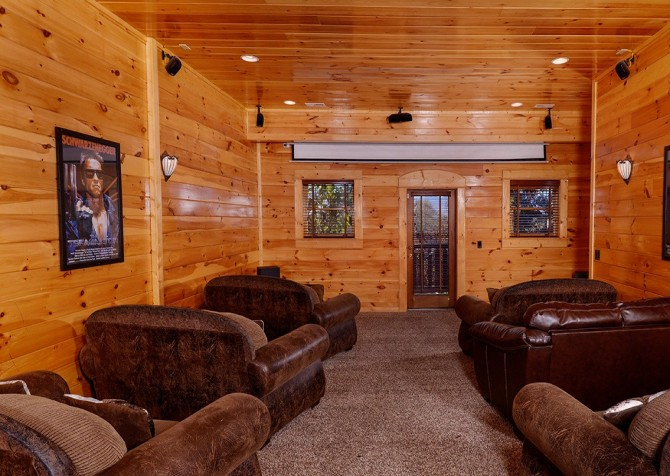 Pigeon Forge Summit View Lodge Theater Room