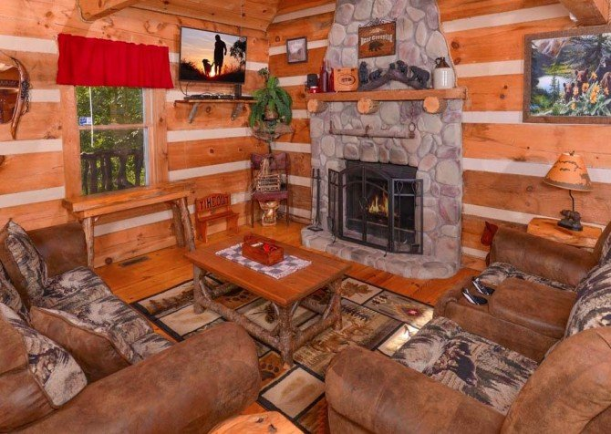 Pigeon Forge Sweet Annie Living Room