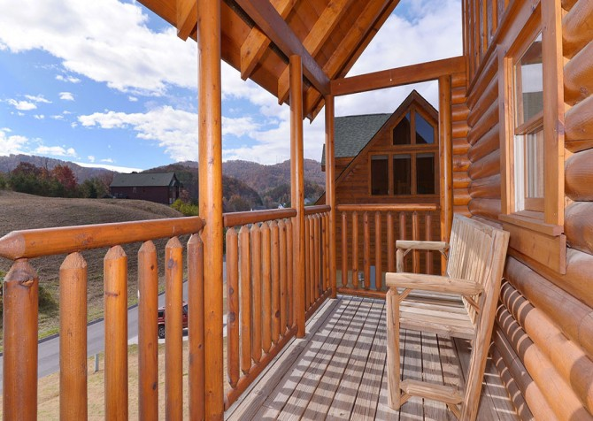 Pigeon Forge Sweet Dreams Covered Deck
