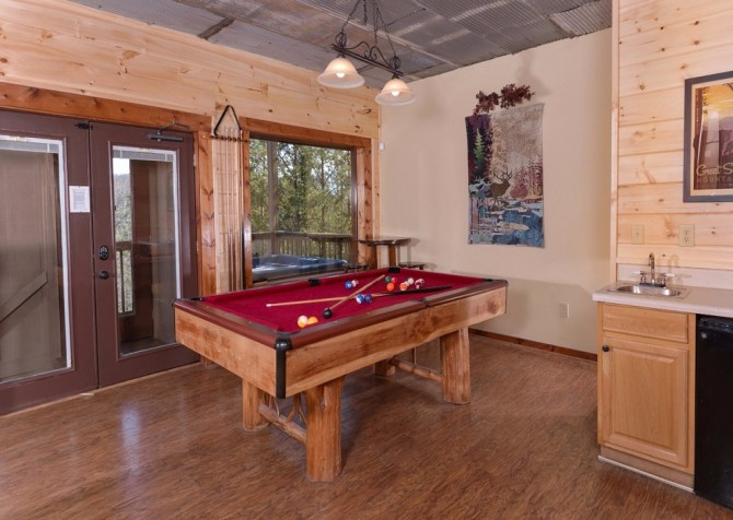 Pigeon Forge Sweet View Springs Recreation Room