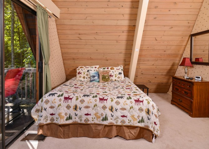 Pigeon Forge - The Raven's Nest - Bedroom 3
