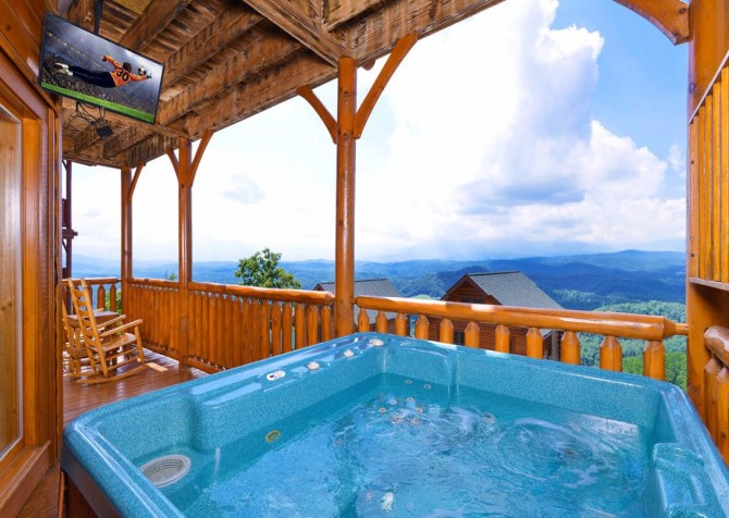 Pigeon Forge The View Hot Tub