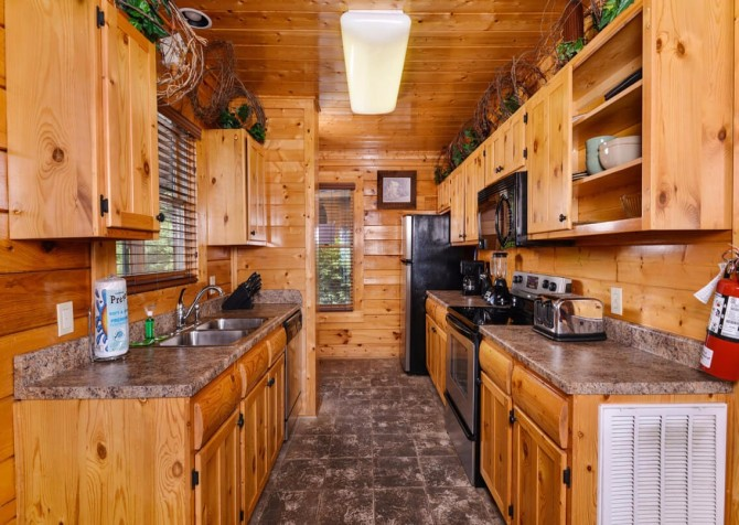 Pigeon Forge - The View - Kitchen