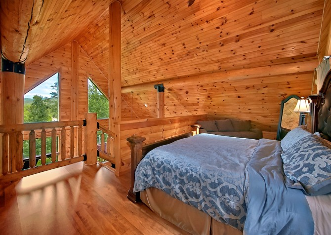 Pigeon Forge Timber Toy Bedroom