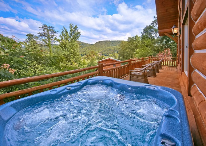 Pigeon Forge Timber Toy Hot Tub