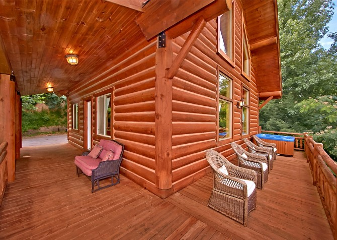 Pigeon Forge Timber Toy Open Deck