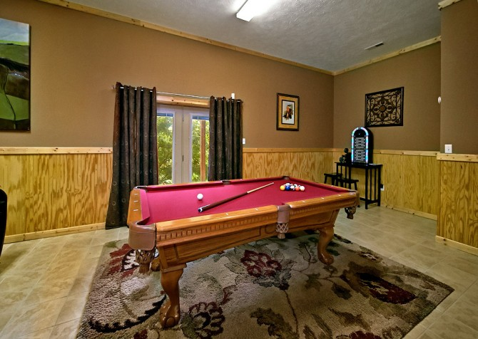 Pigeon Forge Timber Toy Recreation Room
