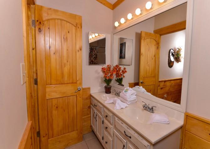 Pigeon Forge - Traveler's Rest - Bedroom 2