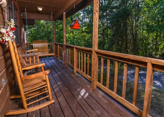 Pigeon Forge - Traveler's Rest - Exterior Front Porch