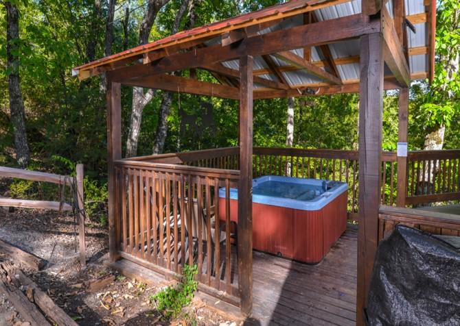 Pigeon Forge - Traveler's Rest - Hot Tub