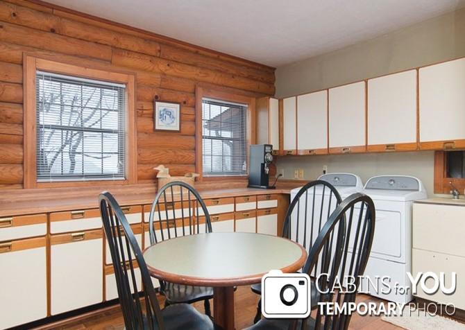 Pigeon Forge Cabin - Von Bryan Estate - Laundry Room Temp