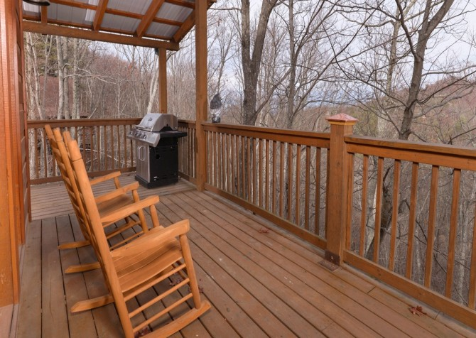 pigeon forge - kiss the moon - porch