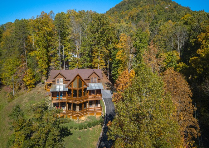Pigeon Forge Cabin- Applewood Manor – Exterior Drone