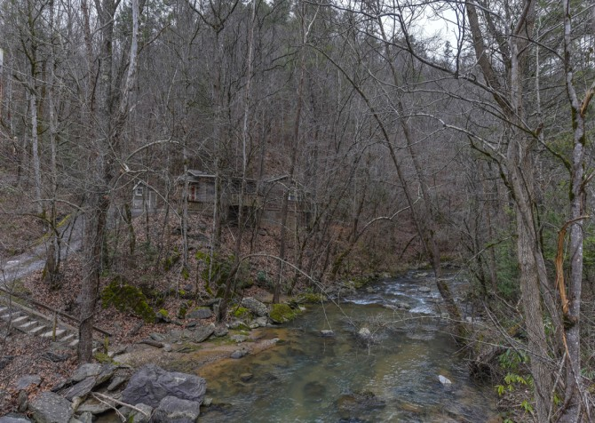 Pigeon Forge - Up the Creek - Exterior