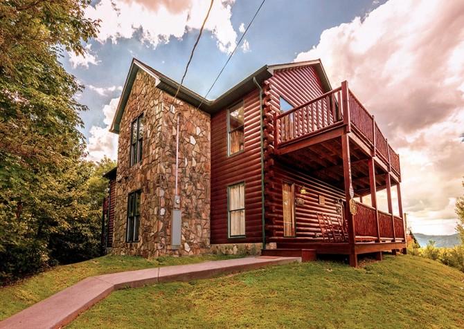 Pigeon Forge Black Bear Lodge Exterior