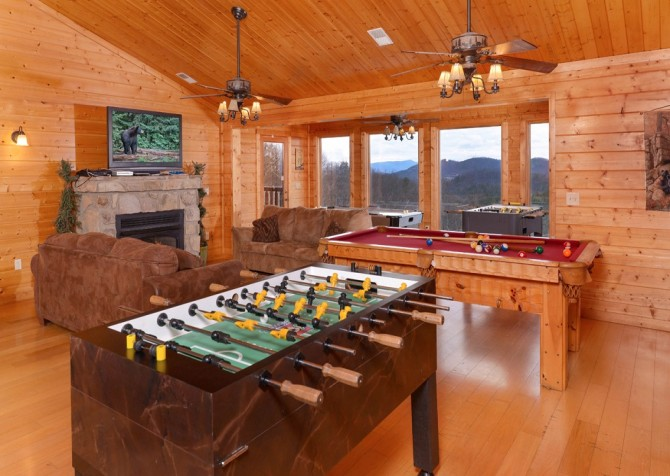 Pigeon Forge Black Bear Lodge Recreation Room