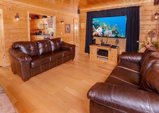 Pigeon Forge Black Bear Lodge Living Room
