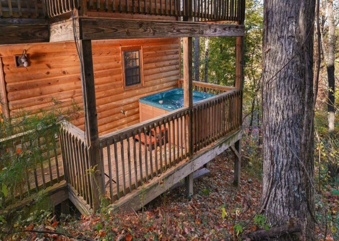 pigeon forge - little bear cabin - exterior
