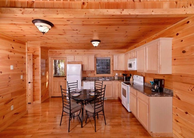 pigeon forge - little bear cabin - kitchen