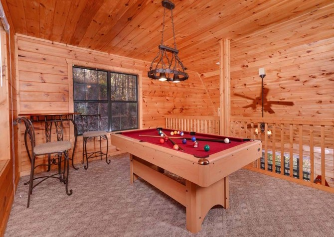pigeon forge - little bear cabin - pool table