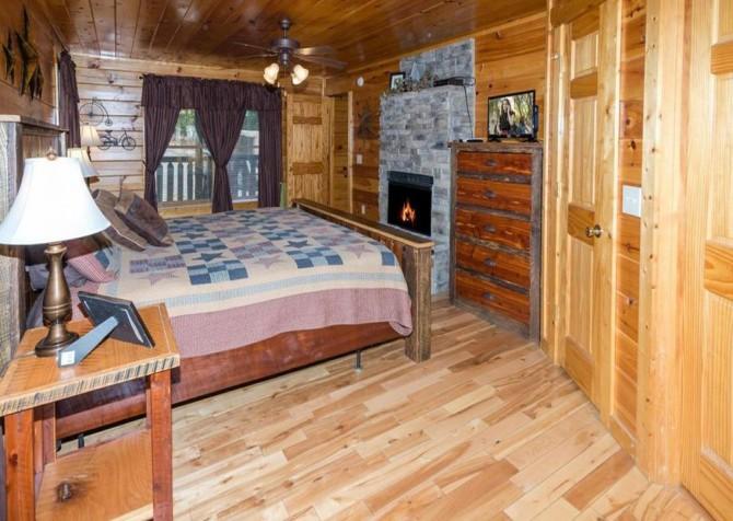 Pigeon Forge - Bear Hiney Hideaway - Bedroom One TV