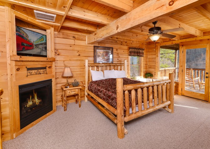 Sevierville - Like A Comet - Bedroom One TV