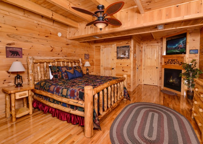 Sevierville - Like A Comet - Bedroom Two TV