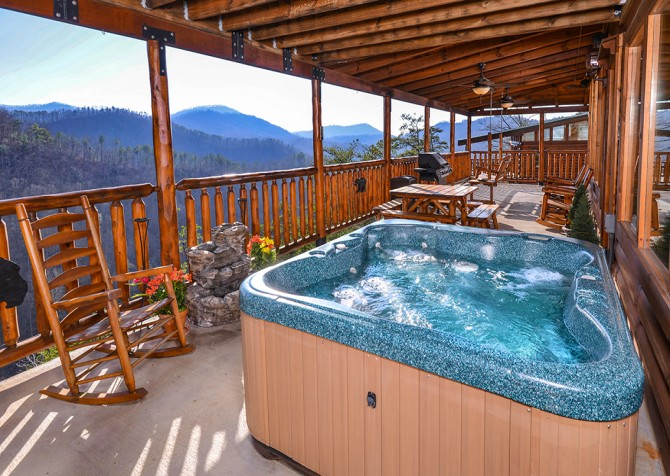 Sevierville - Like A Comet - Hot Tub & View