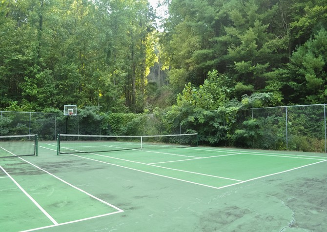 Pigeon Forge Cabin - My Runaway Wagon Retreat - Shagbark Resort Tennis Court