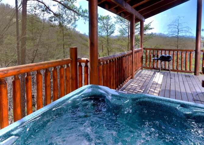 Pigeon Forge - Smoky Mountain Splash - Hot Tub