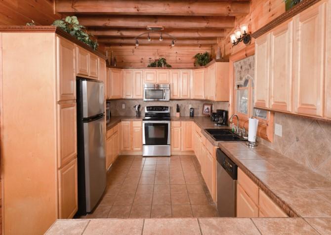 Pigeon Forge - Smoky Mountain Splash - Kitchen