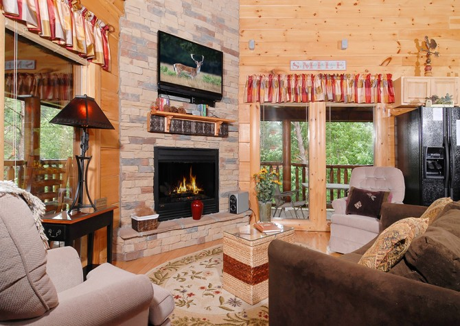 Pigeon Forge - Southern Comfort Escape - Living Room