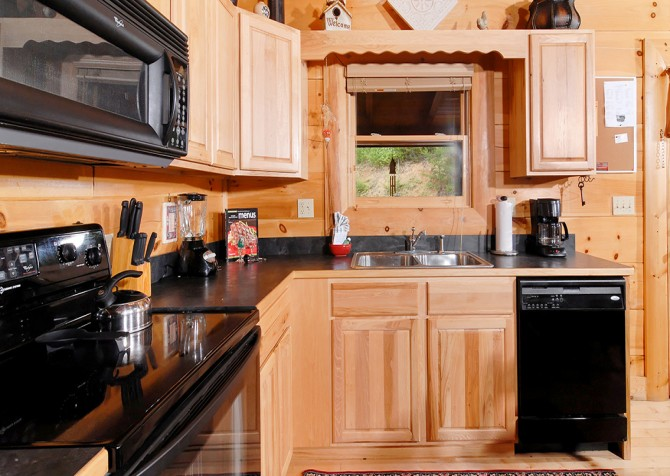 Pigeon Forge - Southern Comfort Escape - Kitchen