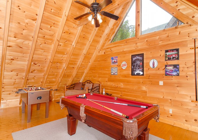 Pigeon Forge - Southern Comfort Escape - Rec Room