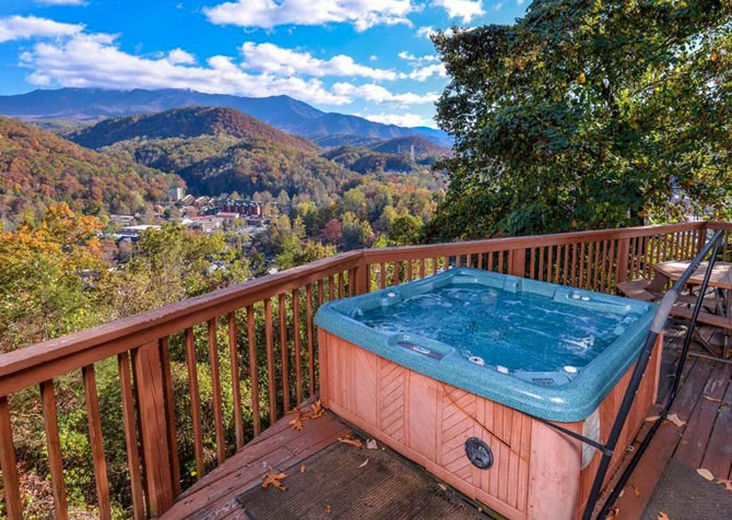 tn forge swimming f bedroom pools smoky amazing cabins hocking gatlinburg with cabin pool mountain in decor private pigeon indoor hills p ideas inside awesome rentals