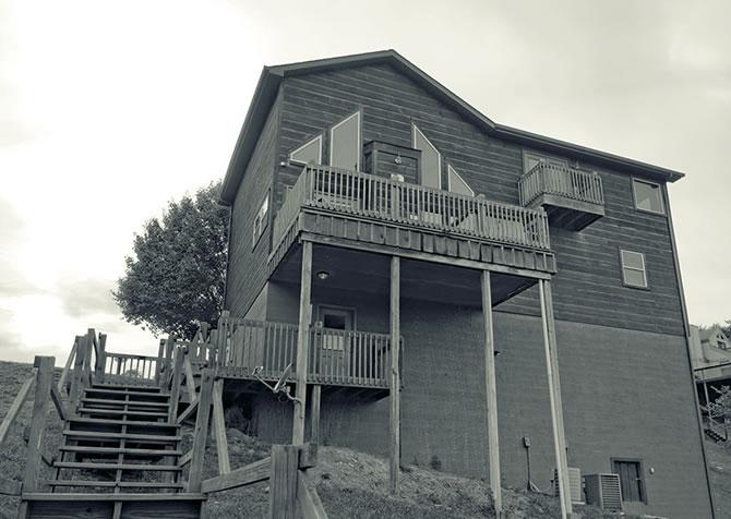 Lakeside Mountain Hideaway