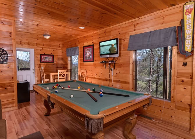 gallery forest bashful the tn rental resort cabins cabin sherwood bear tennessee forge pigeon image