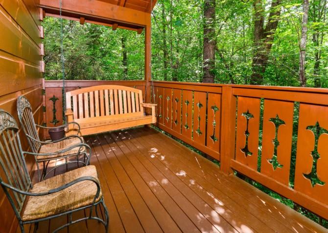 Turning Leaf Porch Swing