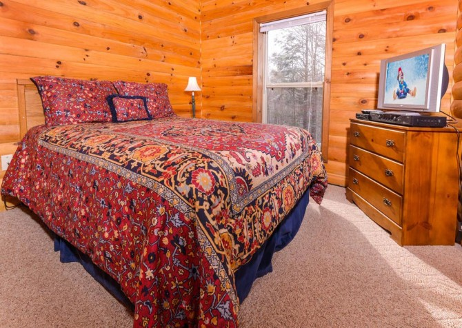 Gatlinburg - Unforgettable - Bedroom One