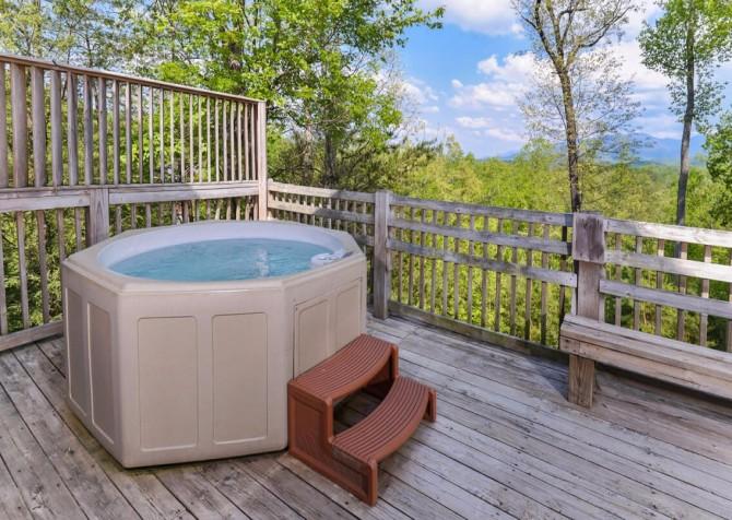 Gatlinburg - Unforgettable - Outdoor Hot Tub